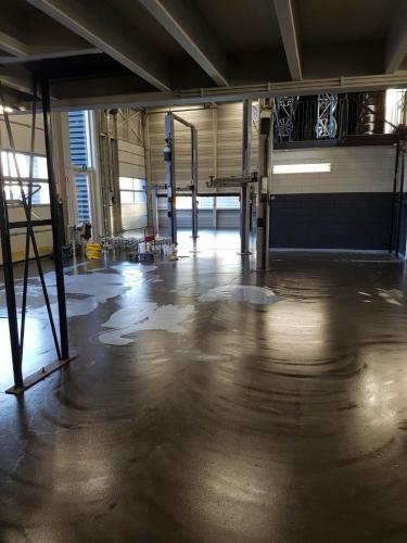 Vloerrenovatie garagebedrijf Jubbega in Meppel voor 3